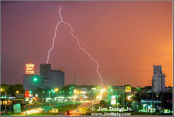 Lightning, Yukon Oklahoma. Photo copyright Jim Doty Jr.